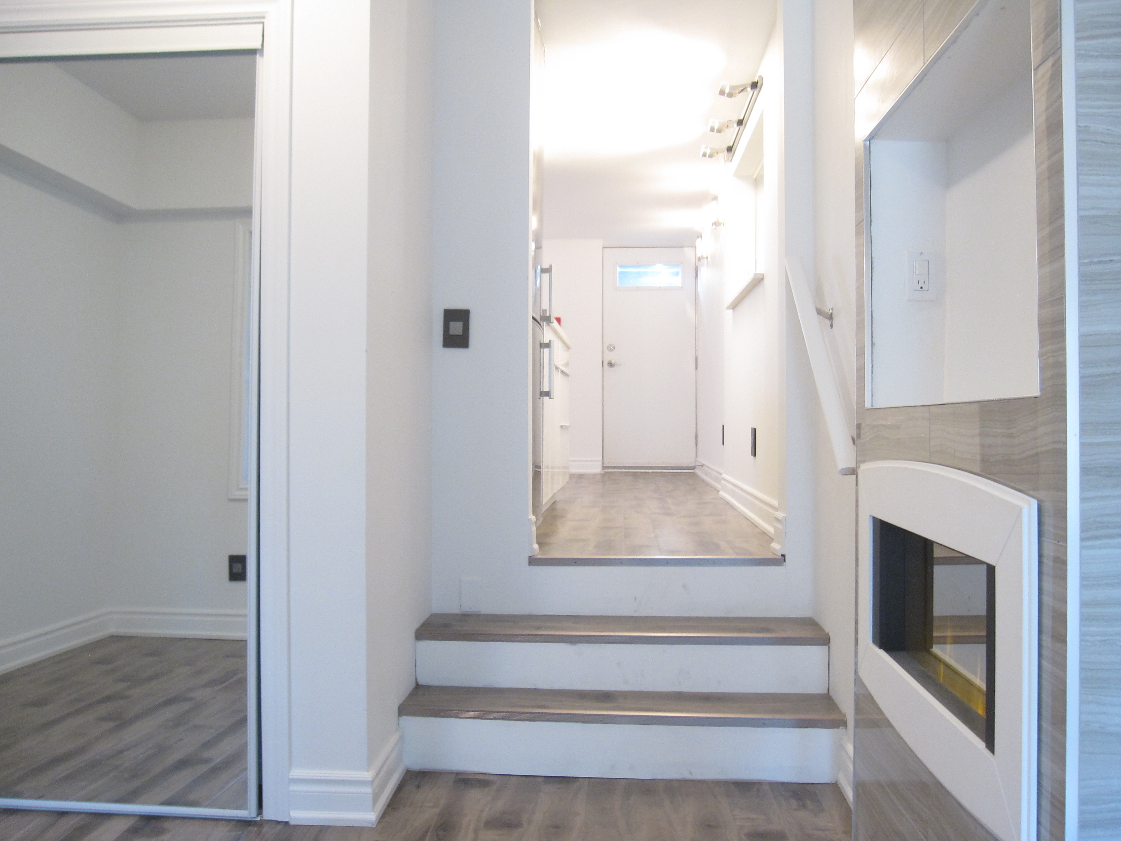221 Coxwell Avenue (Lower) – Trendy, Modern Lower Walk Out Apartment in the Upper Beaches/Leslieville!