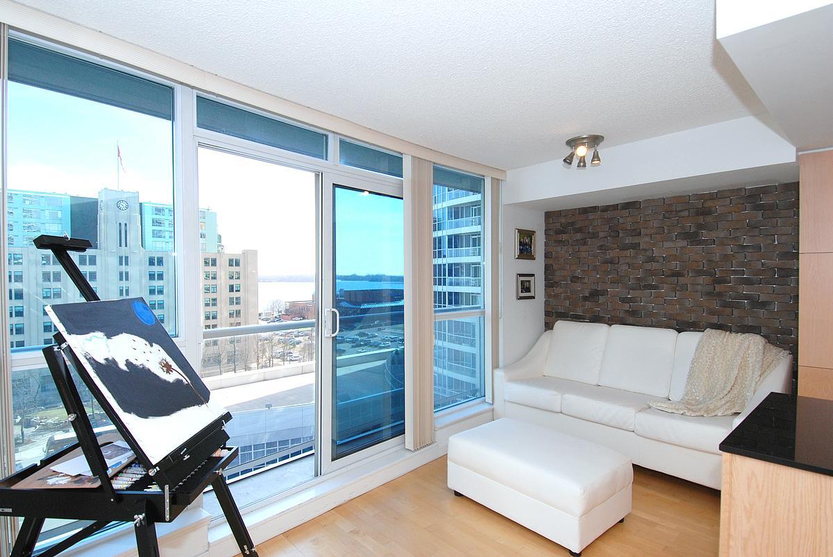 8 York Street Amazing 1 Bedroom Condo In The Heart of Harbourfront