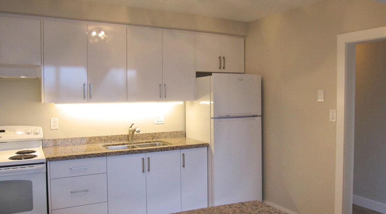3 kitchen to hall