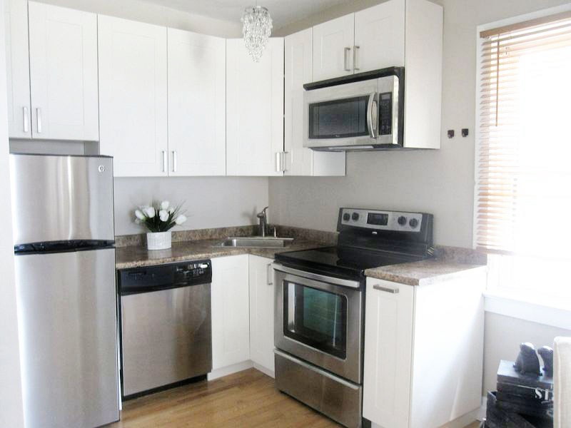 1 Bellhaven Road – Cozy, Upper One Bedroom Unit in the Upper Beaches!