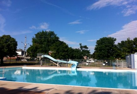 14-swimming-pool-toronto-rentals
