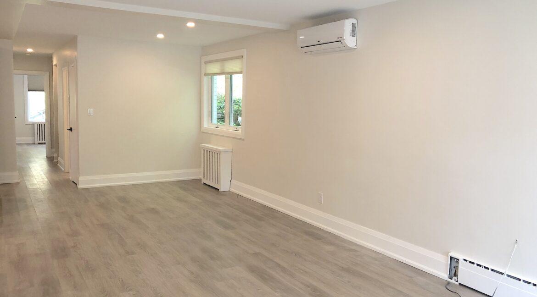 1e Living Room