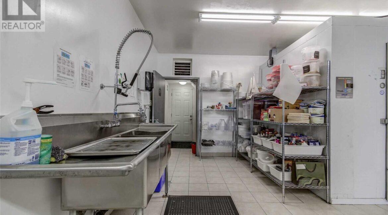 Back Kitchen2